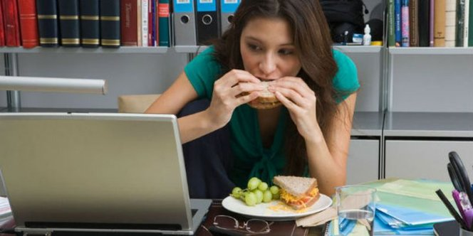 Ученые: Пережевывание пищи способствует созданию иммунной системы ворту